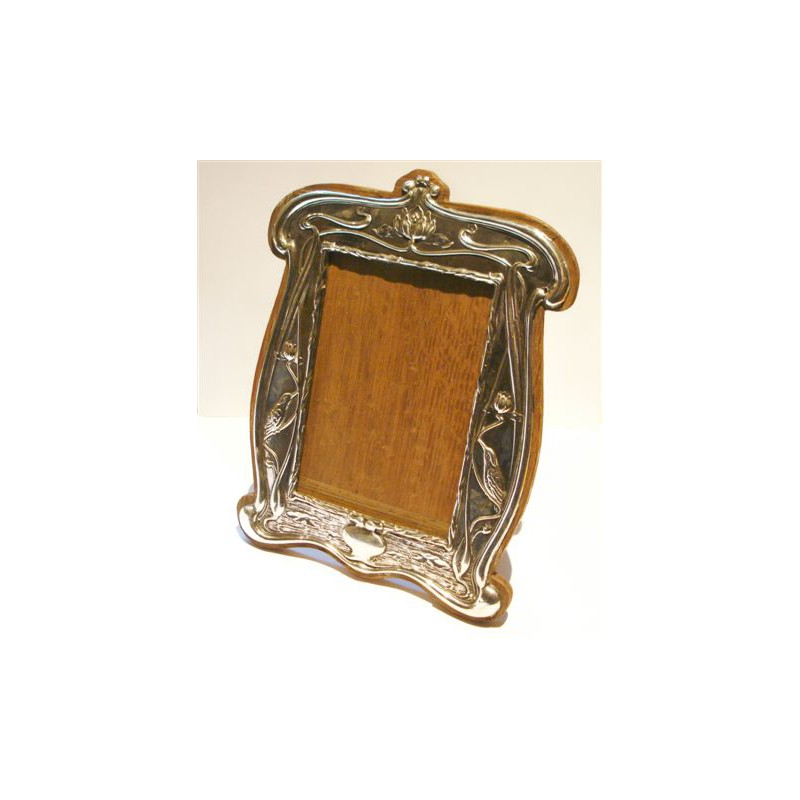 William Neale Art Nouveau silver photograph frame. Rg 412167. Hallmarked Chester 1903