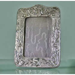 William Daveport Art Nouveau silver photo frame. Hallmarked Birmingham 1902