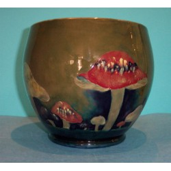 Moorcroft pottery claremont pot. Signed to base. Circa 1920.
