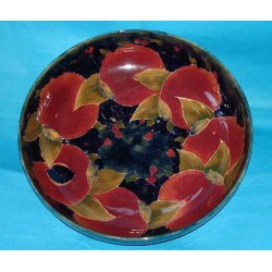 William Moorcroft Pomegranate Bowl. Signed to base with green signature (c.1915)