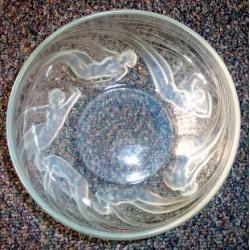 Lalique Ondines bowl. Signed (c.1930)