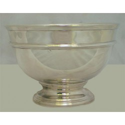 Tiffany & Co large sterling silver bowl with collett foot and astragal string edge design, Stamped marks 23921/925