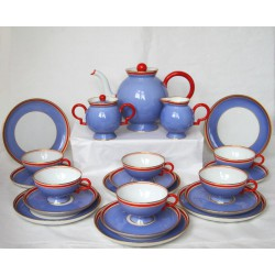 Gio Ponti for Richard Ginori. Art Deco porcelain 21 piece tea set In rare colours (c.1930)