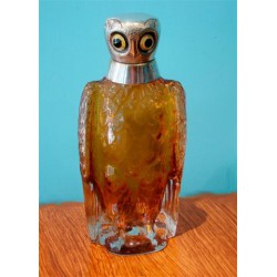 Silver plated and amber glass Owl perfume bottle or decanter with inset glass eyes and internal stopper (c.1920)