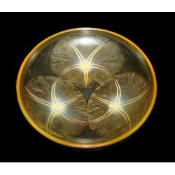 R Lalique Volublis Opalescent Amber Glass Bowl. Signed R Lalique France. (c.1930)