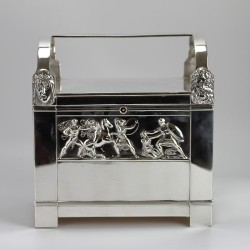 WMF Art Nouveau silver plated jewel casket with original velvet lining and removable tray with original working key (c.1900)