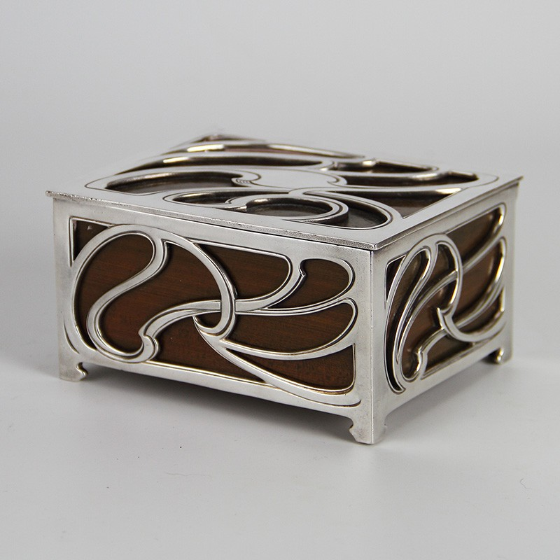 WMF Art Nouveau Silver Plated Filigree Box with Cedar Wood Lining (c.1900).