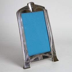 WMF Art Nouveau silver plated photograph frame with secessionist design. Complete with original back and stand (c.1900)