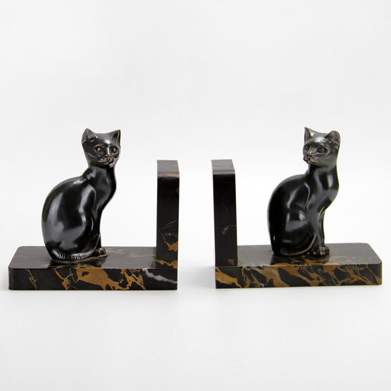 Pair of French Art Deco Spelter Cat Bookends by M Font (c.1930)