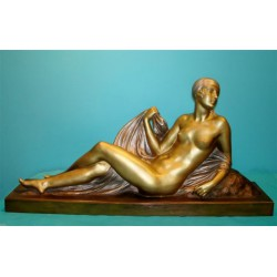 Joe Descomps reclining bronze female figure. Signed (c.1925)