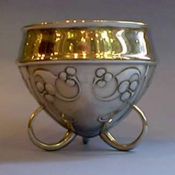 Archibald Knox for Liberty & Co pewter bowl. Tudric 0277 (c.1903)
