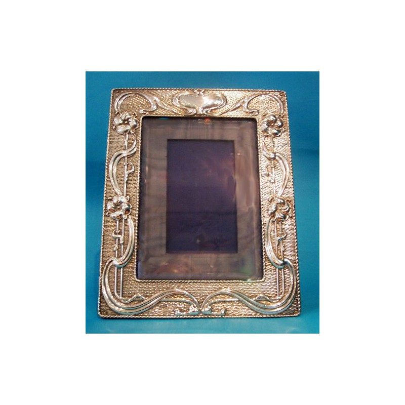 Antique Zimmerman silver photo frame. Chester hallmarked (c.1902)